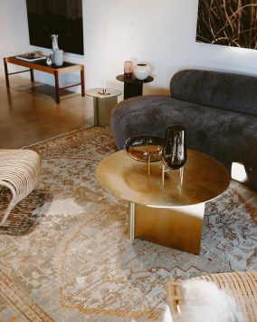 Gorgeous Gold Color Interior Design Ideas For Your Home Style To Copy11