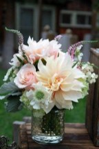 Stylish Easter Flower Arrangement Ideas That You Will Love02