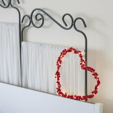 Wonderful String Lights Ideas For Valentine Days That Will Amaze You24