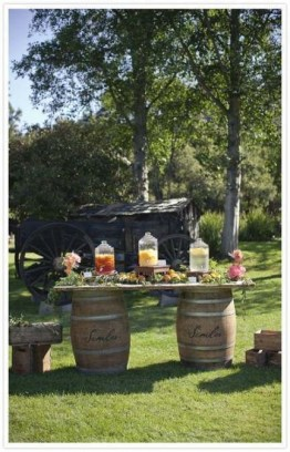 Chic Outdoor Wedding Drink Station And Bar Ideas For Winter To Try Asap34