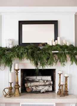 Delightful Winter Decoration Ideas With Items That You Must Have At Home17