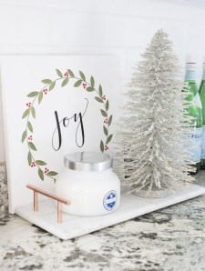 Delightful Winter Decoration Ideas With Items That You Must Have At Home30