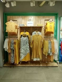 Dreamy Clothing Store Design Ideas For Teen Shoper To Try34