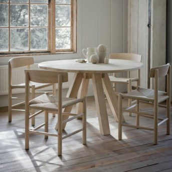Fancy Round Dining Table Design Ideas That Looks So Awesome18