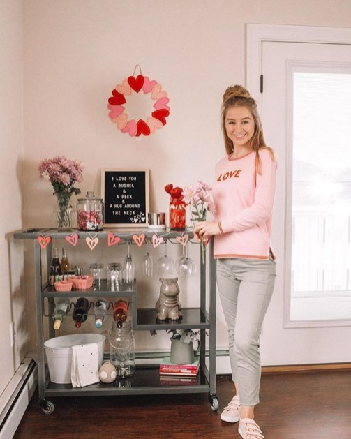 Sophisticated Bar Carts Ideas For Valentine Décor To Try Asap31