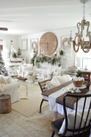 Spectacular Winter Décor Ideas With Textiles That You Need To Try21