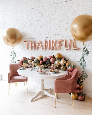 Unusual Friendsgiving Decor Ideas For Holiday Celebrating To Try17