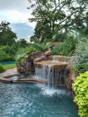 Comfy Swimming Pools Design Ideas With Stunning Natural Surroundings09
