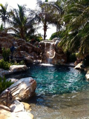 Comfy Swimming Pools Design Ideas With Stunning Natural Surroundings20