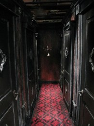 Exciting Dark Gothic Interior Designs Ideas That You Need To Try14