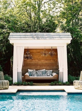 Extraordinary Poolside Nooks Design Ideas To Try For Your Relaxing07