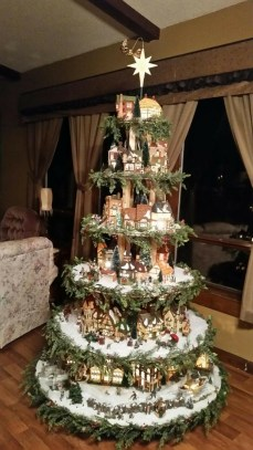 Favorite Winter Tree Display Design Ideas For Small Spaces15