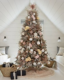 Favorite Winter Tree Display Design Ideas For Small Spaces23