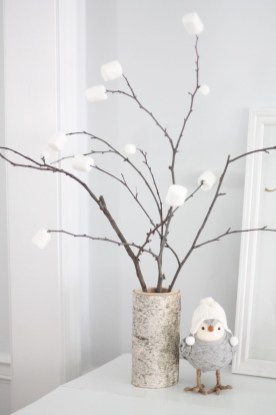 Favorite Winter Tree Display Design Ideas For Small Spaces31