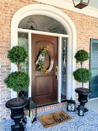 Adorable Front Porch Landscaping Design Ideas To Increase Your Home Style05