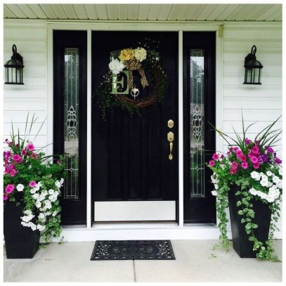 Adorable Front Porch Landscaping Design Ideas To Increase Your Home Style24