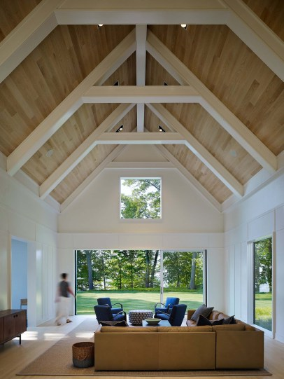 Brilliant Living Room Wood Ceiling Design Ideas That You Should Try08