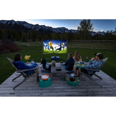 Chic Outdoor Home Theaters Design Ideas To Have Asap14