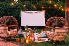 Chic Outdoor Home Theaters Design Ideas To Have Asap23