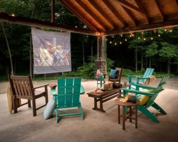 Chic Outdoor Home Theaters Design Ideas To Have Asap28