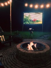 Chic Outdoor Home Theaters Design Ideas To Have Asap32