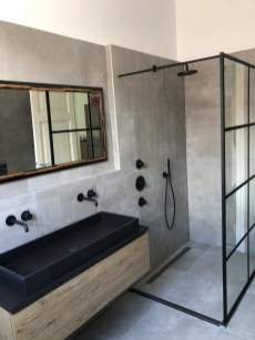 Stunning Black Bathroom Shower Design Ideas That You Need To Copy23