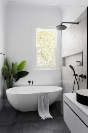 Stunning Black Bathroom Shower Design Ideas That You Need To Copy25