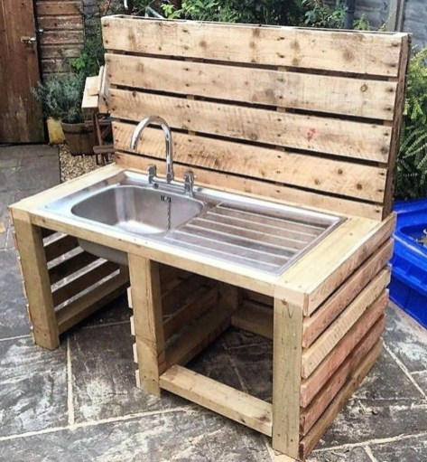 Unordinary Wooden Pallet Furniture Ideas That Is Easy For You To Make35