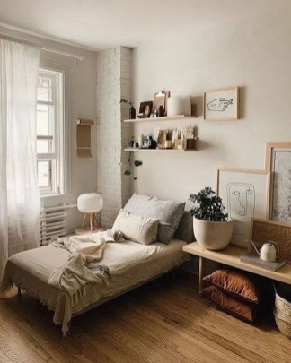 Unusual Small Bedroom Design Ideas For A Narrow Space11