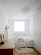 Unusual Small Bedroom Design Ideas For A Narrow Space25