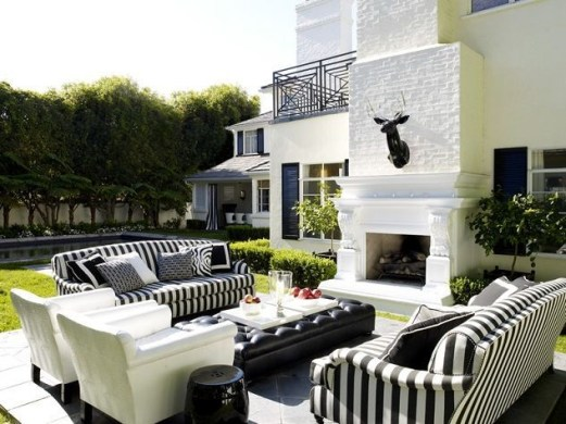 Wonderful Outdoor Living Room Design Ideas For Enjoying Your Days06
