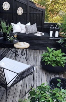 Wonderful Outdoor Living Room Design Ideas For Enjoying Your Days25
