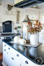 Amazing Diy Fall Farmhouse Decorating Ideas That You Need To Try 01