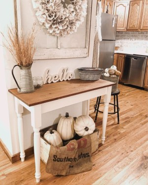 Amazing Diy Fall Farmhouse Decorating Ideas That You Need To Try 26