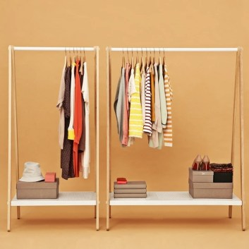 Awesome Diy Small Bedroom Design Ideas With Close Clothing Rack 33