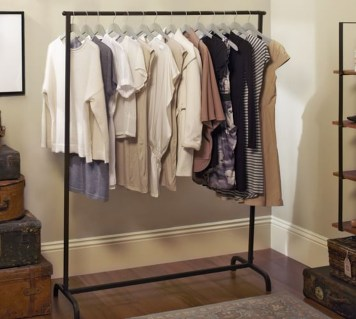 Awesome Diy Small Bedroom Design Ideas With Close Clothing Rack 36