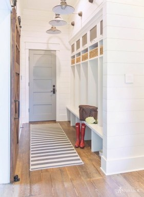 Awesome Farmhouse Mudroom Decorating Ideas To Try Asap 15