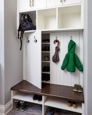 Awesome Farmhouse Mudroom Decorating Ideas To Try Asap 18