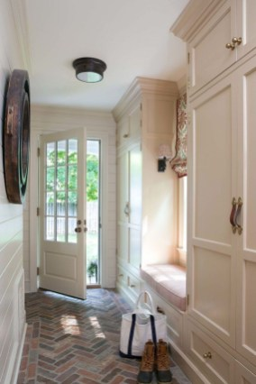 Awesome Farmhouse Mudroom Decorating Ideas To Try Asap 26