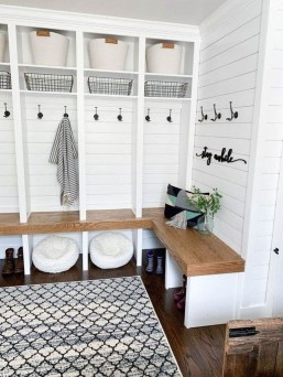 Awesome Farmhouse Mudroom Decorating Ideas To Try Asap 35