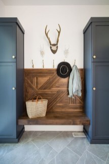 Awesome Farmhouse Mudroom Decorating Ideas To Try Asap 38