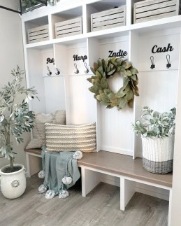 Awesome Farmhouse Mudroom Decorating Ideas To Try Asap 39