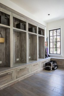 Awesome Farmhouse Mudroom Decorating Ideas To Try Asap 41