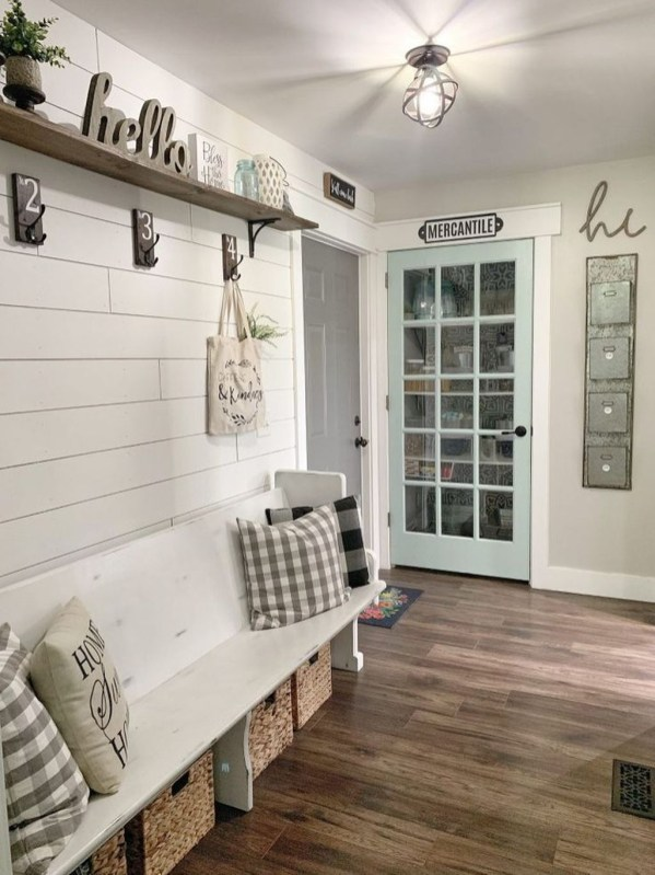 Awesome Farmhouse Mudroom Decorating Ideas To Try Asap 46