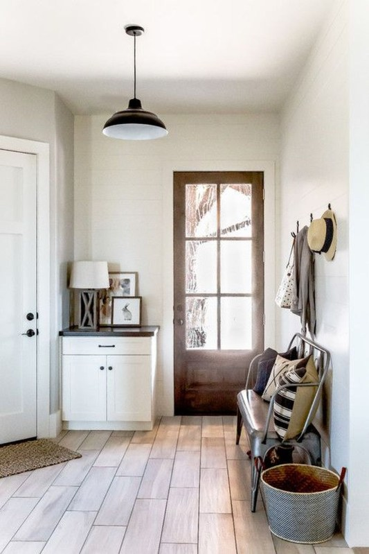 Awesome Farmhouse Mudroom Decorating Ideas To Try Asap 47