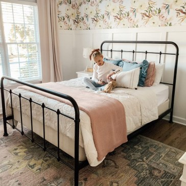Best Bedroom Wallpaper Decor Ideas That Suitable For Your Family 34