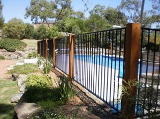 Enchanting Living Fences Design Ideas That Suitable For Your Yard 01