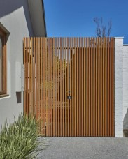 Enchanting Living Fences Design Ideas That Suitable For Your Yard 42
