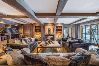 Impressive Spacious Chalet Design Ideas With Warm And Cosy Ambience 19
