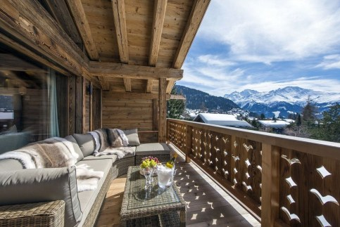 Impressive Spacious Chalet Design Ideas With Warm And Cosy Ambience 30